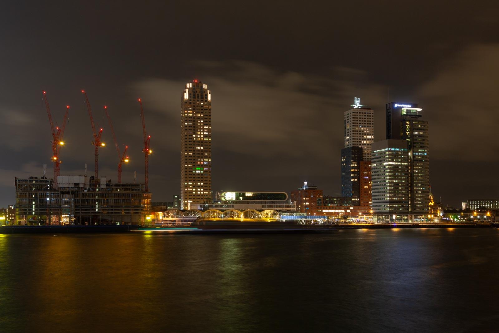 Nachtfoto Kop van Zuid in Rotterdam