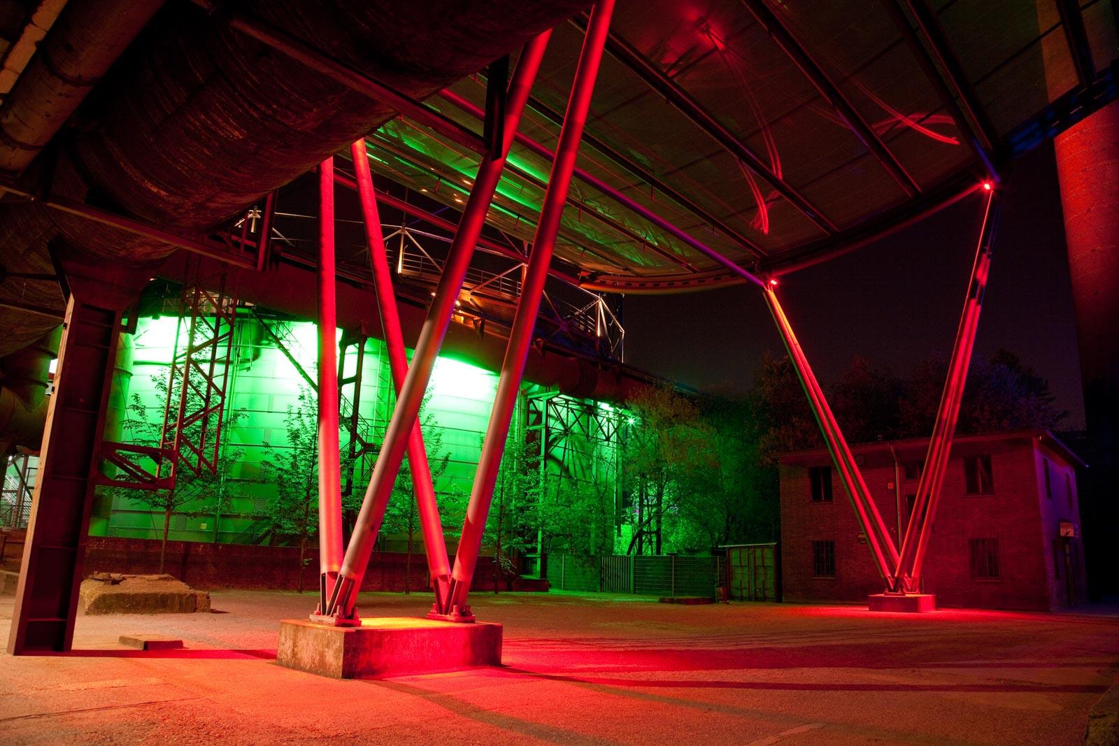 Nachtfoto van industrie in Duitsland