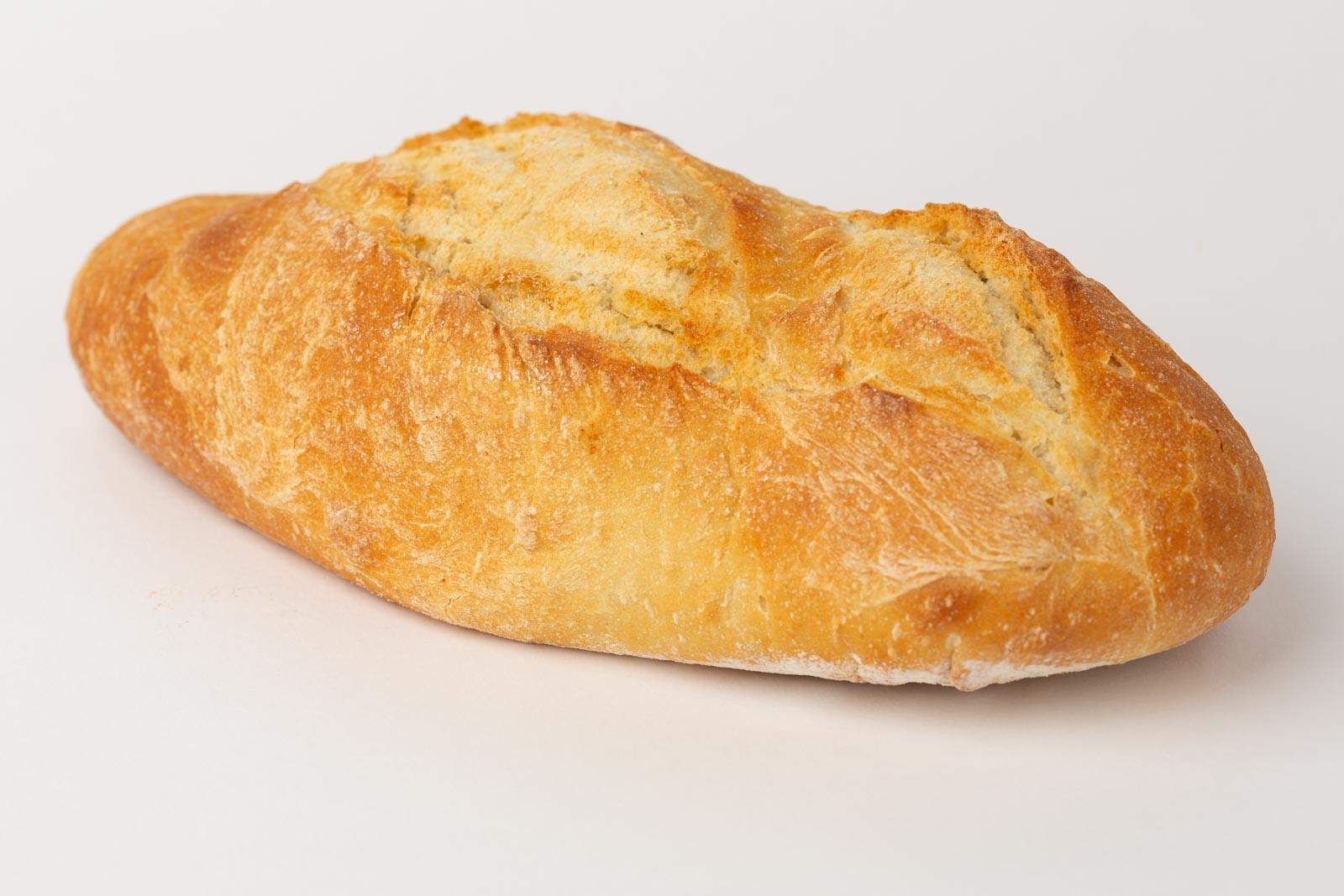 Brood op een witte tafel